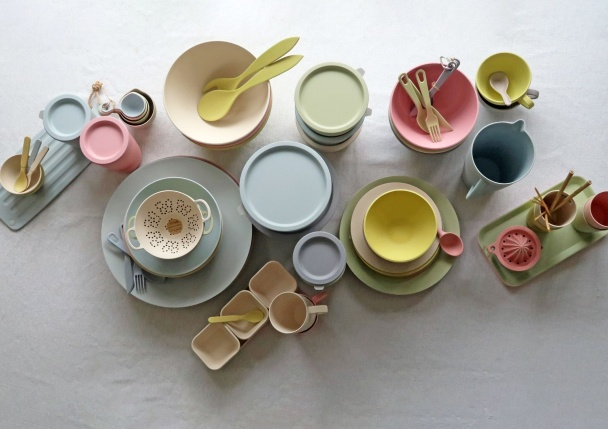 Bamboo & Corn Tableware by Zuperzozial