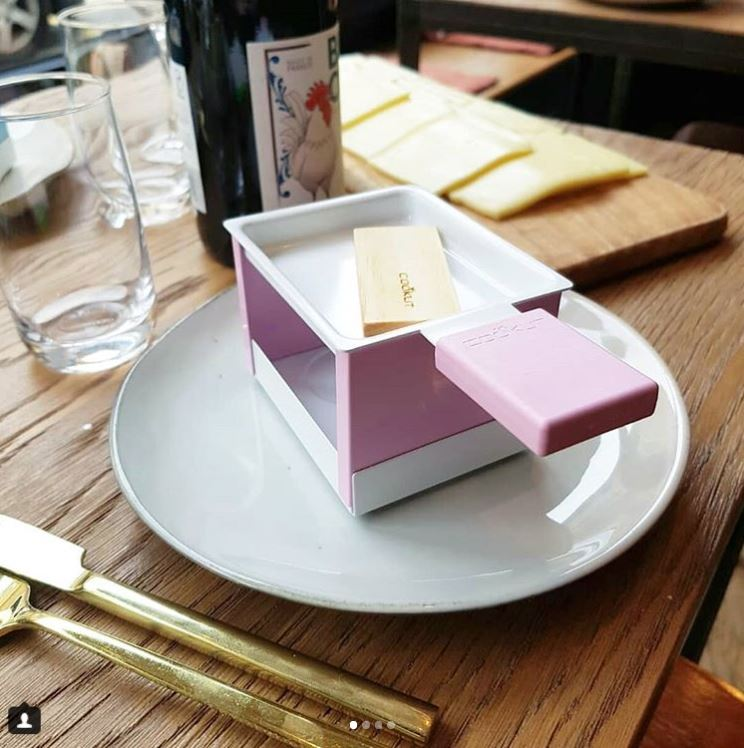YETI - Pink individual raclette with candle